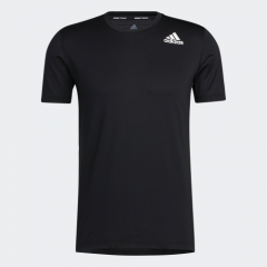 adidas Men Badge Of Sports Techfit 貼身T恤黑色