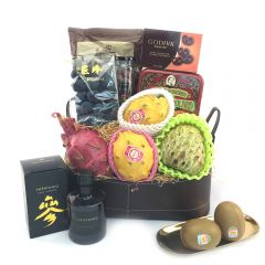 The Gift - Grand Fruit Hamper with Organic Ginseng Syrup FG179L FG179L