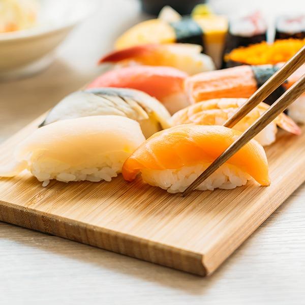 獺祭出品的清酒配搭不同的佳餚同樣美味,你可以配搭壽司、天婦羅、串燒、牛扒、海鮮等美食。