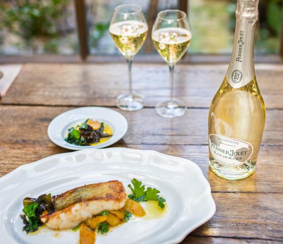 鱸魚的菜色更是巴黎之花白中白香檳的絕配